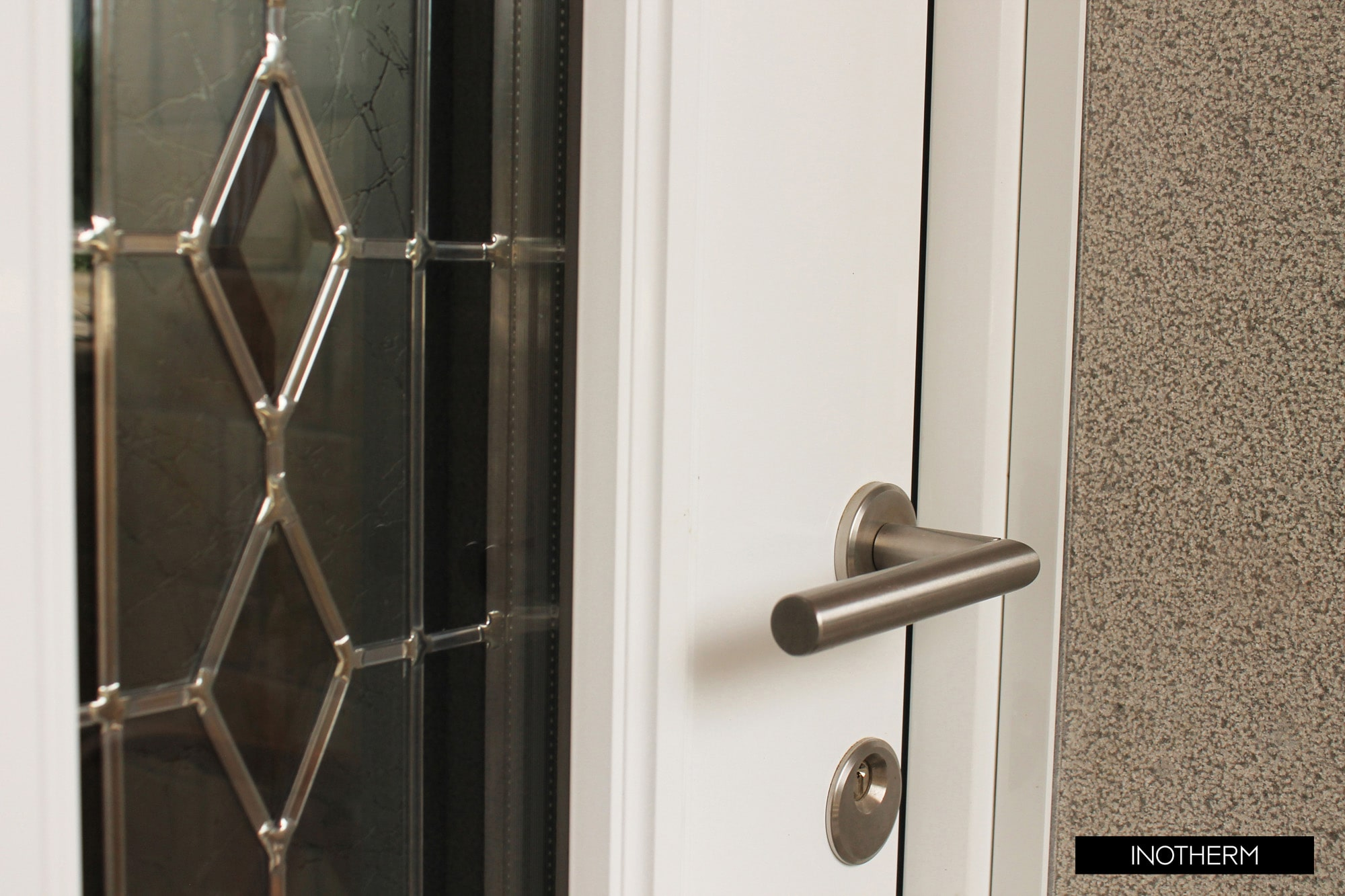 aluminium front doors kidderminster handle-min